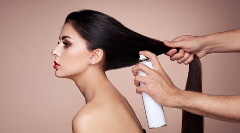 Shampoing sec : avantages et inconvénients